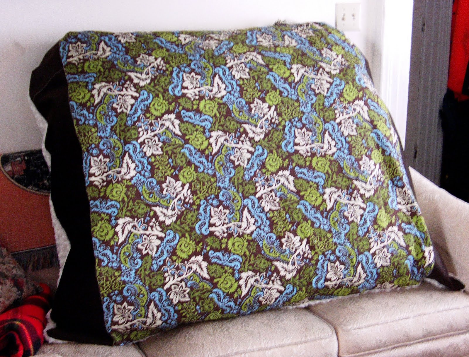 GinasCustomCreations: Shelbys Giant Floor Pillow...