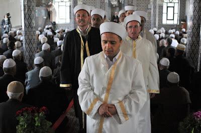 http://1.bp.blogspot.com/_u0XIriS-d3c/TVBoGTiZvcI/AAAAAAAAYIA/Z3K2B6h65pY/s400/20100425_Fillyra_Mosque_Ibrahim_Serif_Thrace_Greece_1.jpg