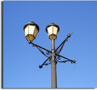 sustitución de las luminarias del Paseo Marítimo de Poniente de la Línea