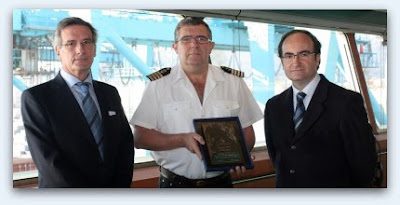 Christophe Colomb entrega metopa