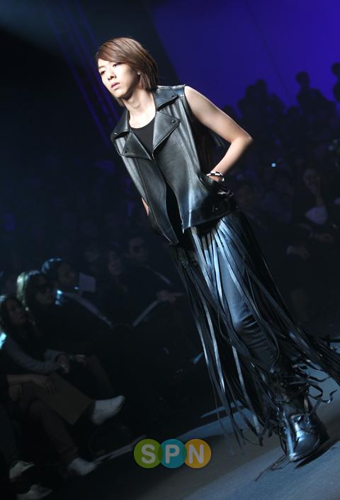 Lee Jeong Shin Seoul Fashion Week ! ♥ Pp10102200076