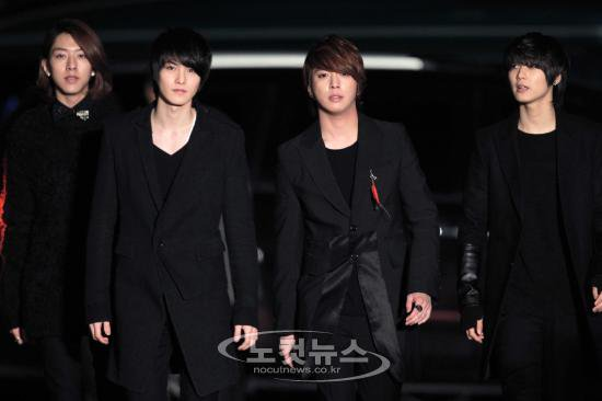 ... Love ♥: [photo] CNBLUE at SEOUL MUSIC AWARDS 2011 Red Carpet