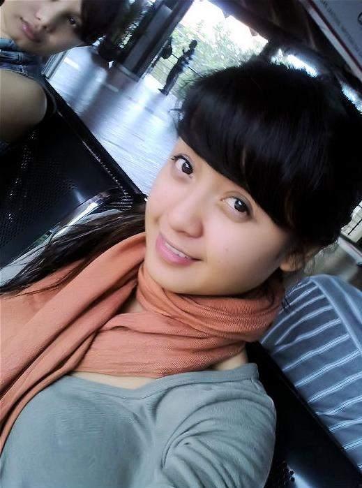 Gadis IGO [ BB 17++ ]: Narita, Cewek Facebook Imut Birahi Tinggi