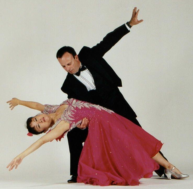 http://1.bp.blogspot.com/_u2ppBLsQGTU/S7a-HwN1KGI/AAAAAAAAACg/gEjJhhuVKoU/s1600/waltz.jpg