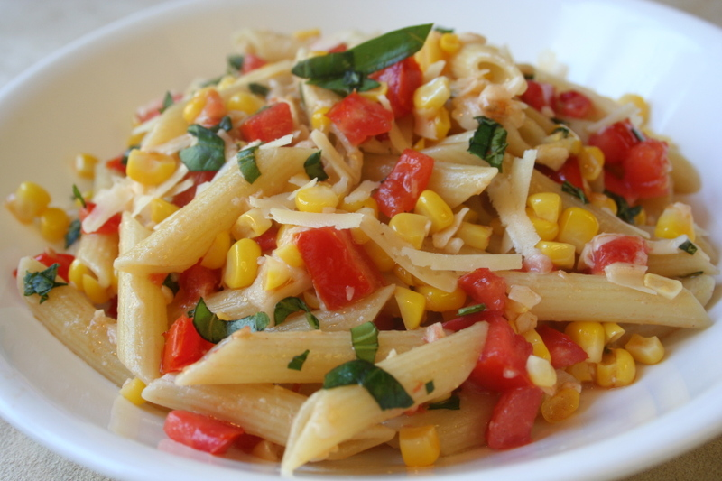 [pasta+salad+with+tomatoes+&+corn.jpg]