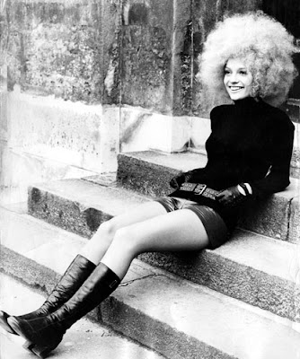 1970s blonde afro
