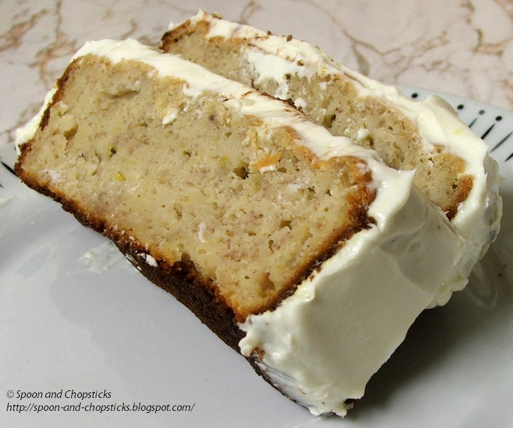 Spoon and Chopsticks: Banana Loaf with Light Cream Cheese Frosting