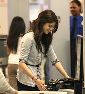 Selena Gomez checked into her flight at LAX airport in Los Angeles on the