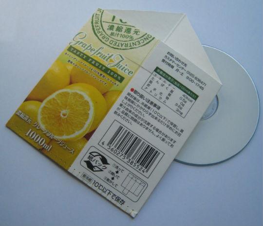 วิธีทำซอง ใส่แผ่นซีดี แผ่นซีดี ใส่แผ่น CD กล่องนม ของใช้แล้ว ลดขยะ รีไซเคิล วัสดุเหลือใช้ ไอเดีย howto diy ลดโลกร้อน โลกสีเขียว โครงงาน กระดาษ กระดาษใช้แล้ว recycle reuse