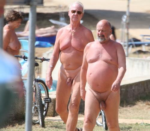 Пожилой мужик голый, кармен лувана смотреть порно