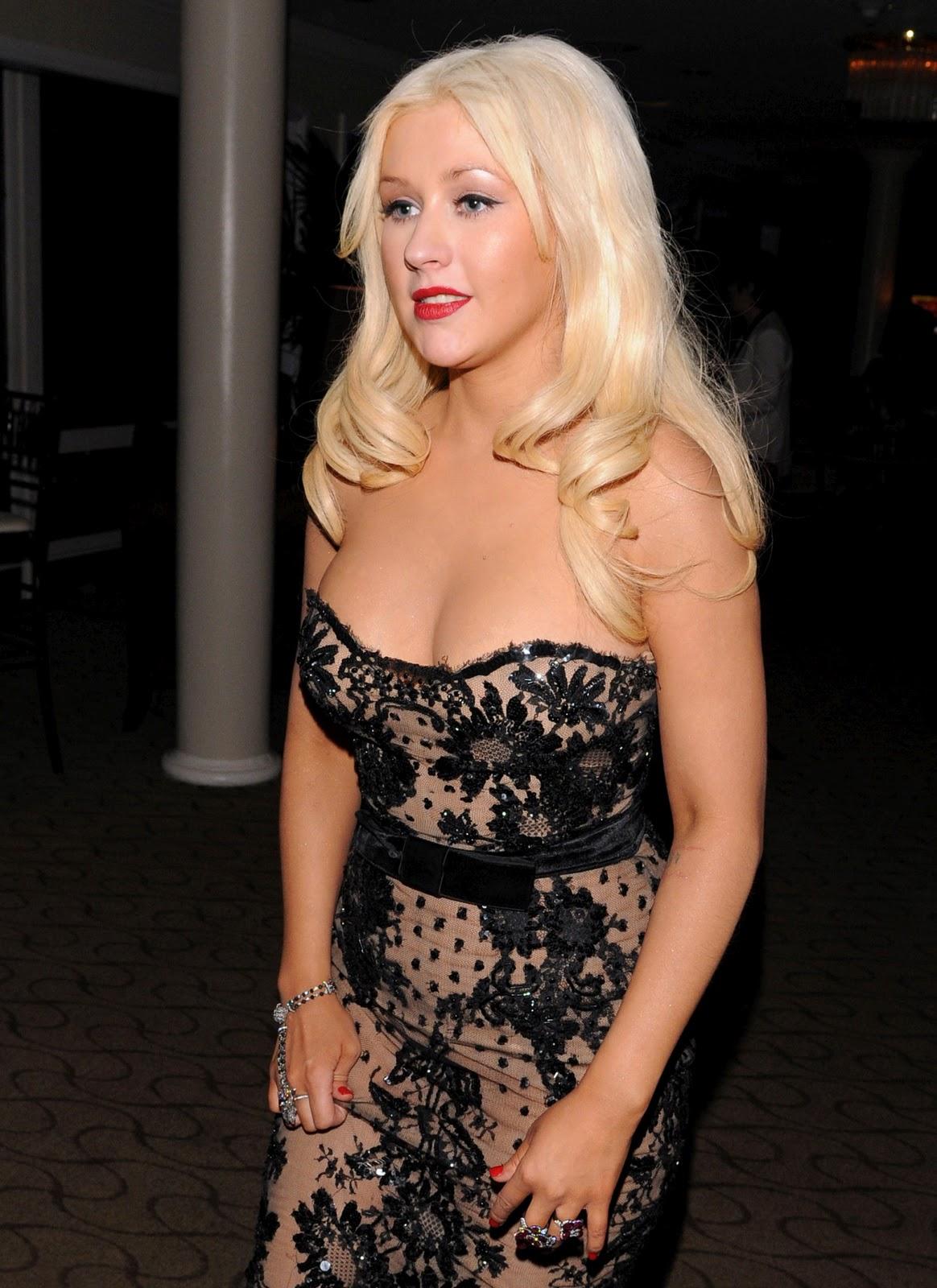 http://1.bp.blogspot.com/_u90AC4da1zY/TTVZi3HG1TI/AAAAAAAAP_w/k-21T7z-nzU/s1600/Christina-Aguilera-9.jpg