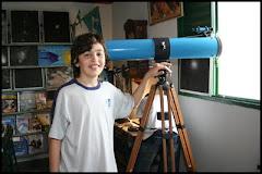 Túlio Soares do CE Francisco Varella, em Carmo. Escola tem um observatório