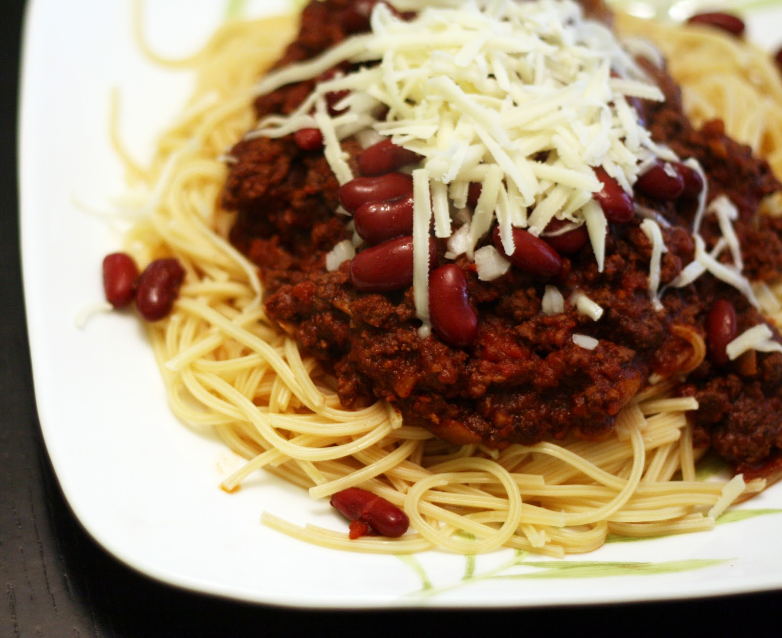 ingredients 1 1 2 2 lbs lean ground beef 28 oz can crushed or coarse ...