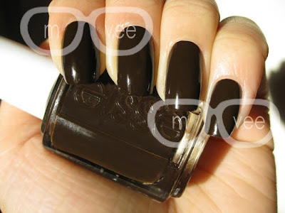 essie little brown dress swatch