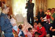 Cadouri orfanilor