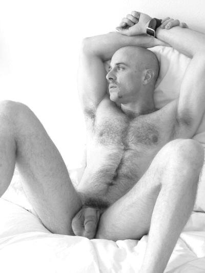 http://1.bp.blogspot.com/_uAHBlIqLp9Q/THESdpa3TKI/AAAAAAAAUHM/mA7nhCnIuF0/s1600/bald+with+big+balls.jpg