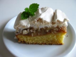Skagbaek Kage Med æble Og Marengs