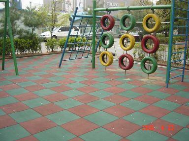 Different types of floors crazyengineers for Cork playground flooring