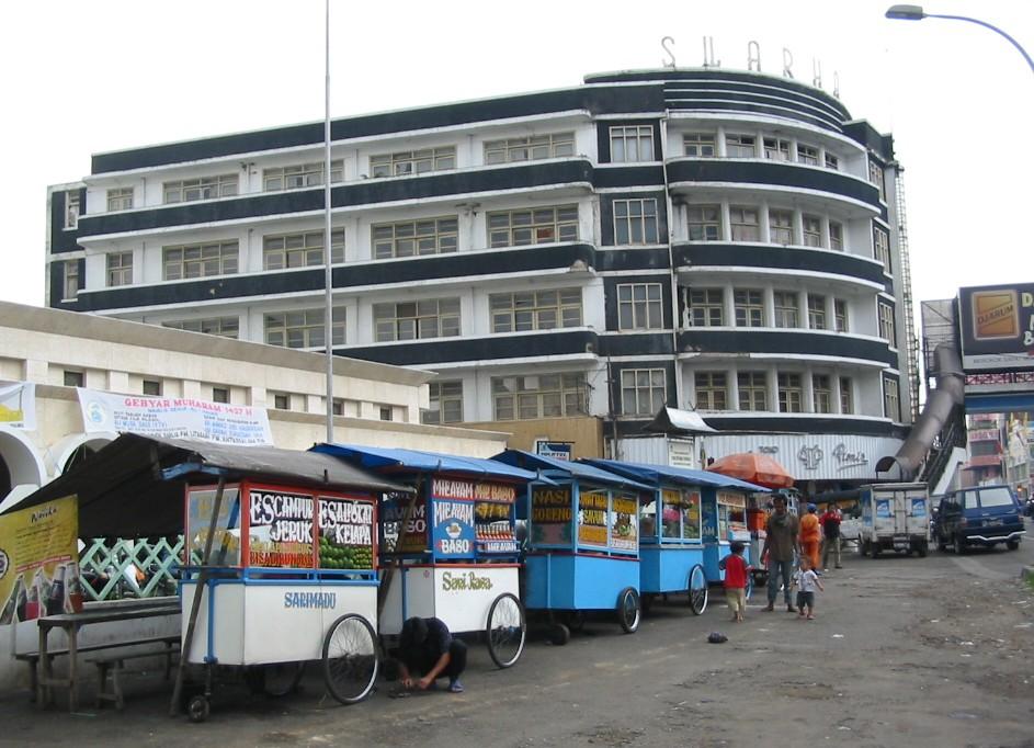 Art Deco Gebäude in Bandung, Indonesien