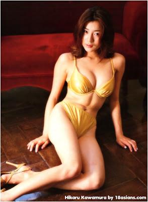 Hikaru Kawamura in Gold Bikini