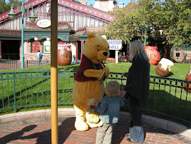 Jamie meeting Pooh at Disney