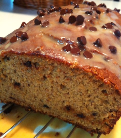 BrunetteBaker: Peanut Butter Chocolate Chip Banana Bread