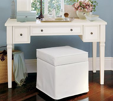 Cheap chic ideas for a vanity for Cheap vanity desk