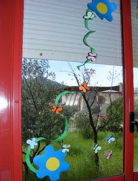 Addobbo primaverile per l 39 aula - Decorazioni primaverili per finestre ...