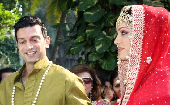 10 Isha Koppikar Wedding-Marriage Pictures