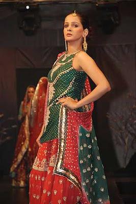 Beautiful pakistani Model Saba Qamer Pictures