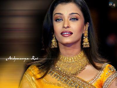 Aishwarya Rai Bachchan in Designer Gold Jewelry