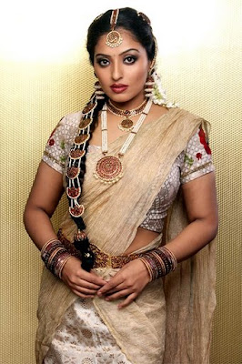 Actress Mumtaz in Indian Traditional Jewellery