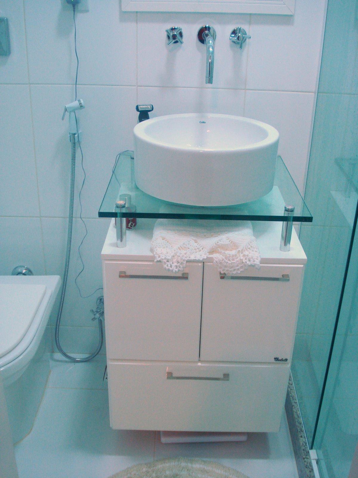 banheiro da suite com armario laqueado e box blindex #1B3741 1200x1600 Banheiro De Blindex