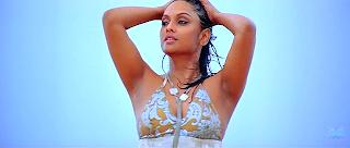 Jyothirmayi be sexy in photo