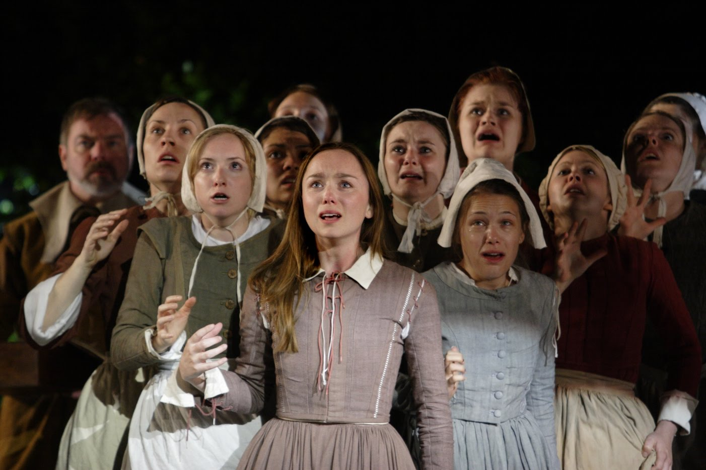 the difference between abigail williams and Abigail williams john  the difference between abigail and the other residents of salem is  prior to scene 3, abigail views elizabeth as an inconvenience .