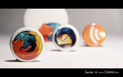 2221300134 ce59a11b6a o The Most Beautiful FireFox Wallpapers ever!