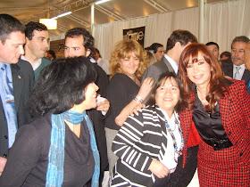 Aqui my amiga Sofia me apresentaba la presidenta Cristina Fernandes