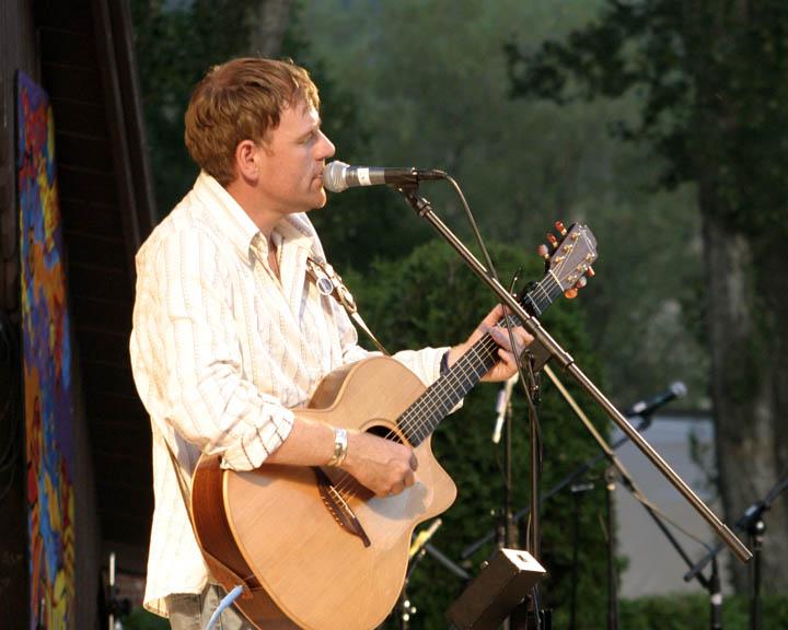 [2004+Folkfest+(284).jpg]