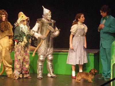 wizard of oz scarecrow. The Wizard Of Oz. Left to