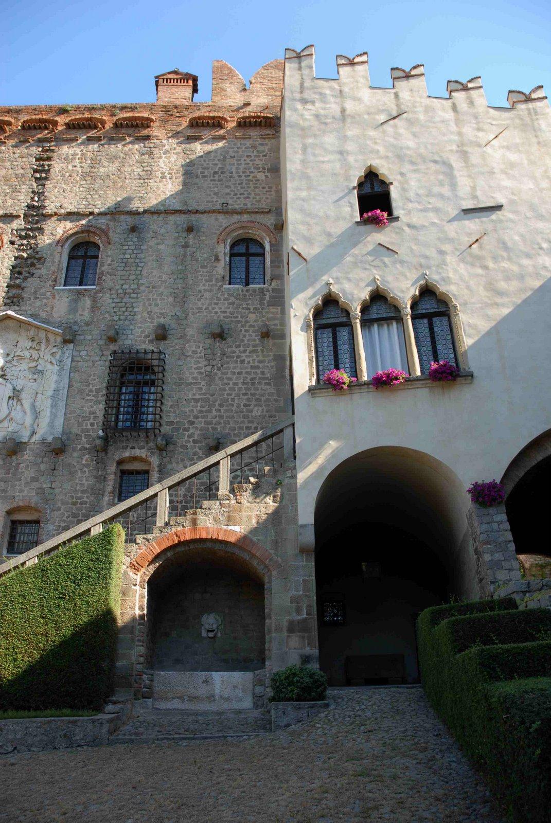 particolare del Palazzo costruito dalla Famiglia Marcello