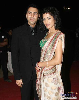Jessy Randhawa in designer saree at Star screen awards
