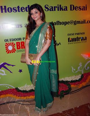 Sarika Desai in saree at Gitanjali Life Style Hope Show