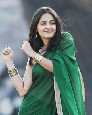 Anushka Shetty dancing in Green plain saree