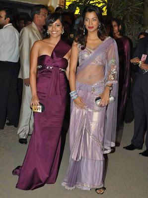 Mugdha Godse in Transparent Purple Saree at Filmfare Awards 2010