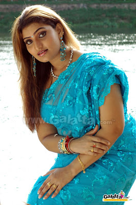 Babylona in Blue Saree  http://chudidaar.blogspot.com/