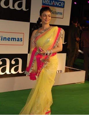 Ayesha Takia in Yellow designer Saree at Paa Premiere