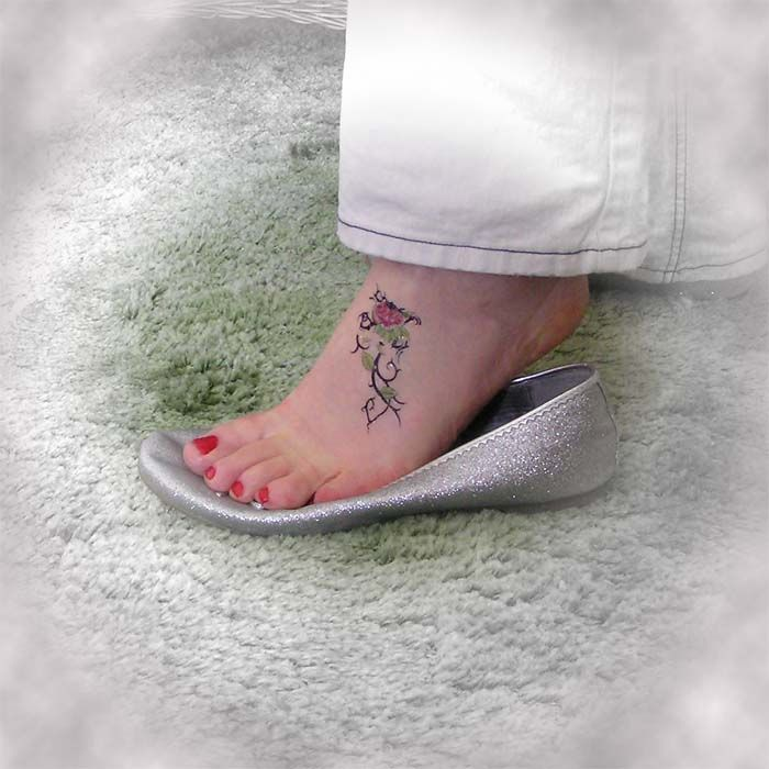 womens foot tattoos