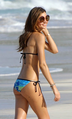 miranda-kerr-bikini-1-02-448x735.jpg