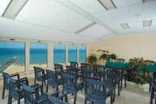 Sala dove si possono organizzare i congressi con vista panoramica sul porto di Rodi