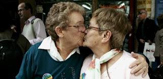 Primeiro casamento entre mulheres é realizado na Argentina